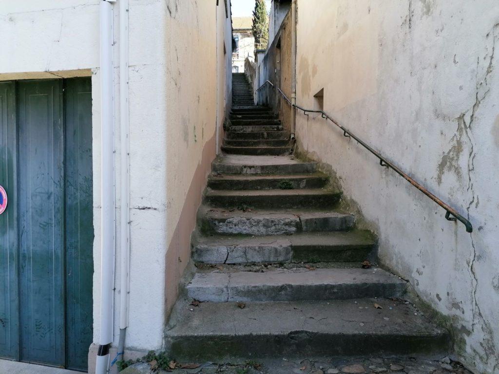 Escaliers extérieur bas du parc Jouvet